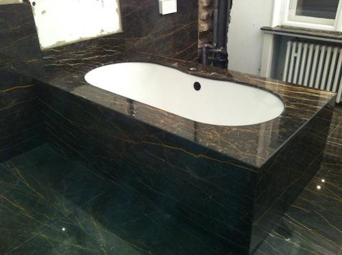 badezimmer marmor raum und m beldesign inspiration. Black Bedroom Furniture Sets. Home Design Ideas